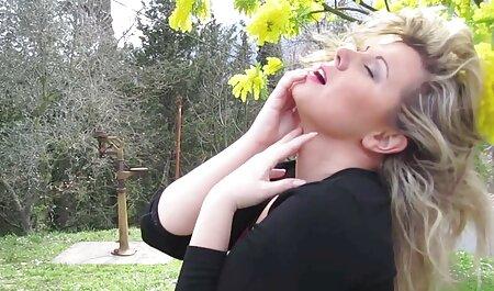 زیبا و دلفریب, دختر مدرسه ای با داشتن سرگرم دانلود فیلم سکیس خارجی کننده با همسایه در خانه