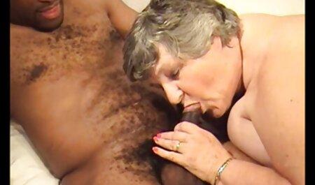 Tori سیاه و سفید را دوست دارد دانلود فیلم سکسی بدون سانسور سخت دیک در استخر او