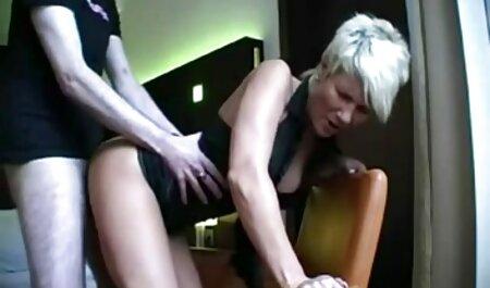 رابطه جنسی در یک هتل دانلود سوپر خارجی در یک سفر کاری.