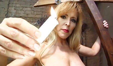 دختر دانلود رایگان فیلم سکسی خارجی گره خورده با dildo