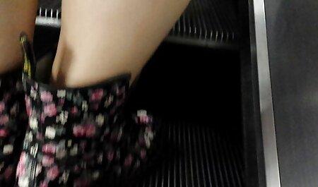 دختر از خواب بیدار در صبح برای رابطه جنسی دانلود فیلم سوپر خارجی و بیرون می آید اسپری