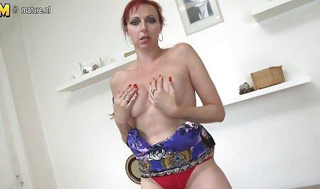 ورونیکا Avluv fucks در تامی دانلود سایت سکسی خارجی کان در لباس زیر خود را.